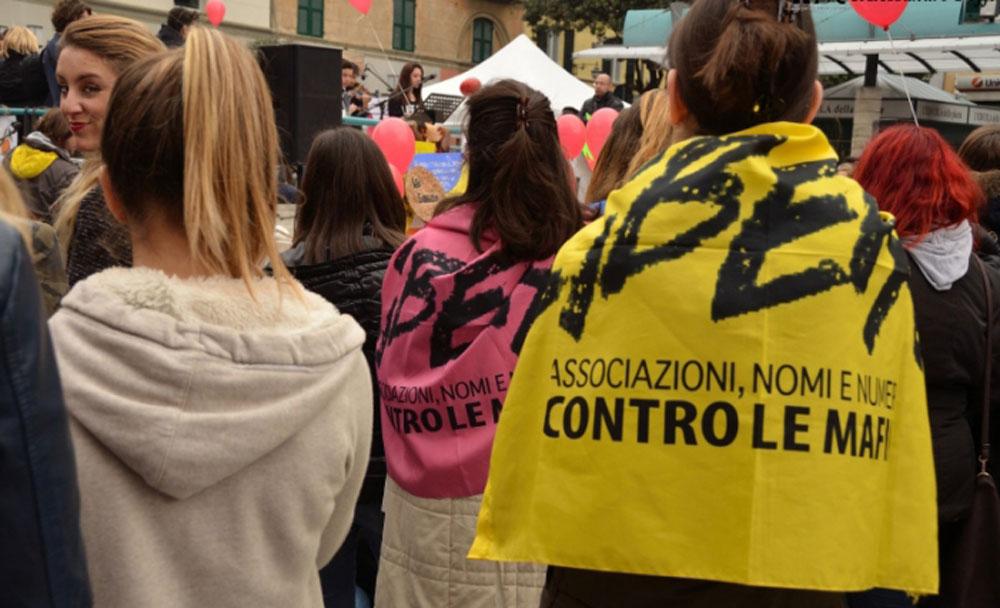 croppedimage701426-bandiera-libera