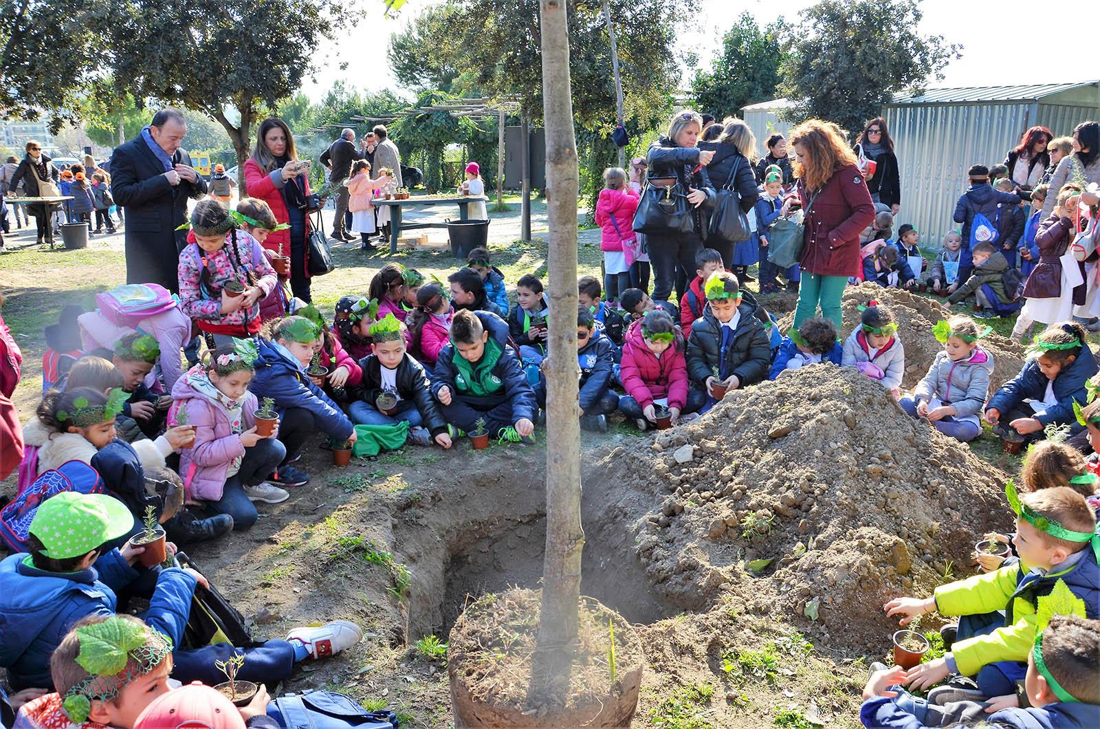 Festa dell albero protagonisti i bambini delle scuole di